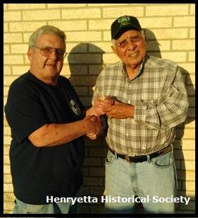 Thomas Hudson receives Creek Indian Nation Honor Guard from Thomas Yahola